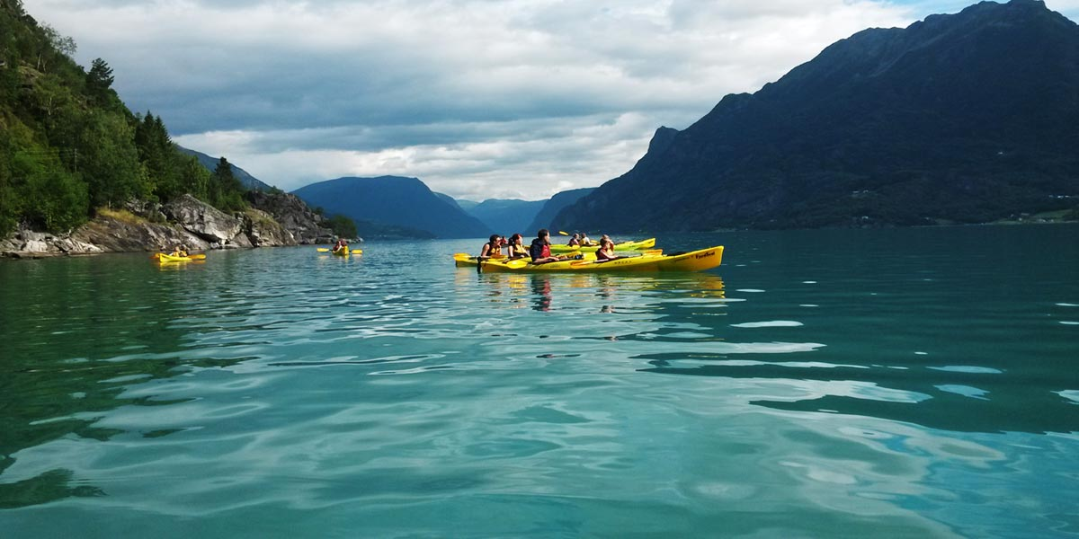 kajakk-pa-lustrafjorden.jpg