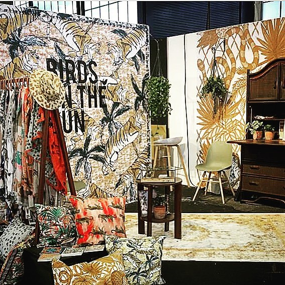 Visiting @modefabriek and couldn't resist @birdsontherun booth #dutchlife #amsterdam #fashionevent #raiamsterdam #sustainableliving#prints#estampados#textile#birdsontherun#consciousconsumer#fabric#eco