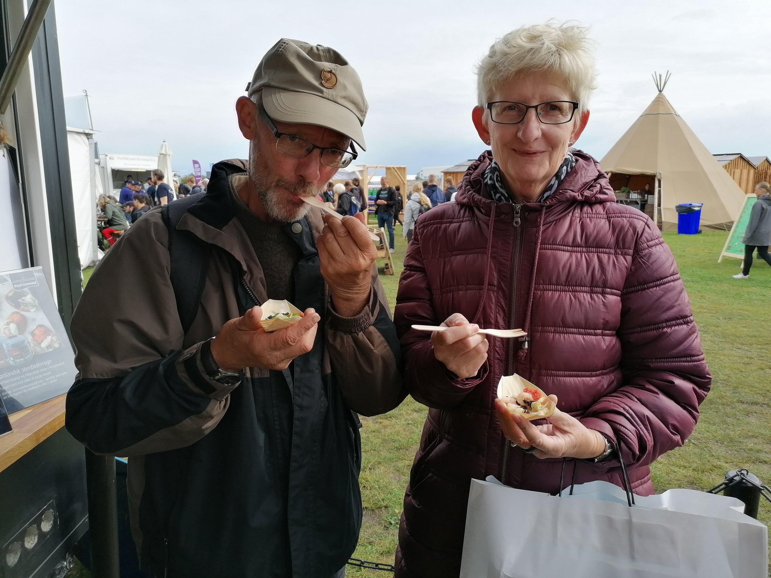 Gæsterne Kaj og Jette syntes rejecocktailen smagte rigtig godt.