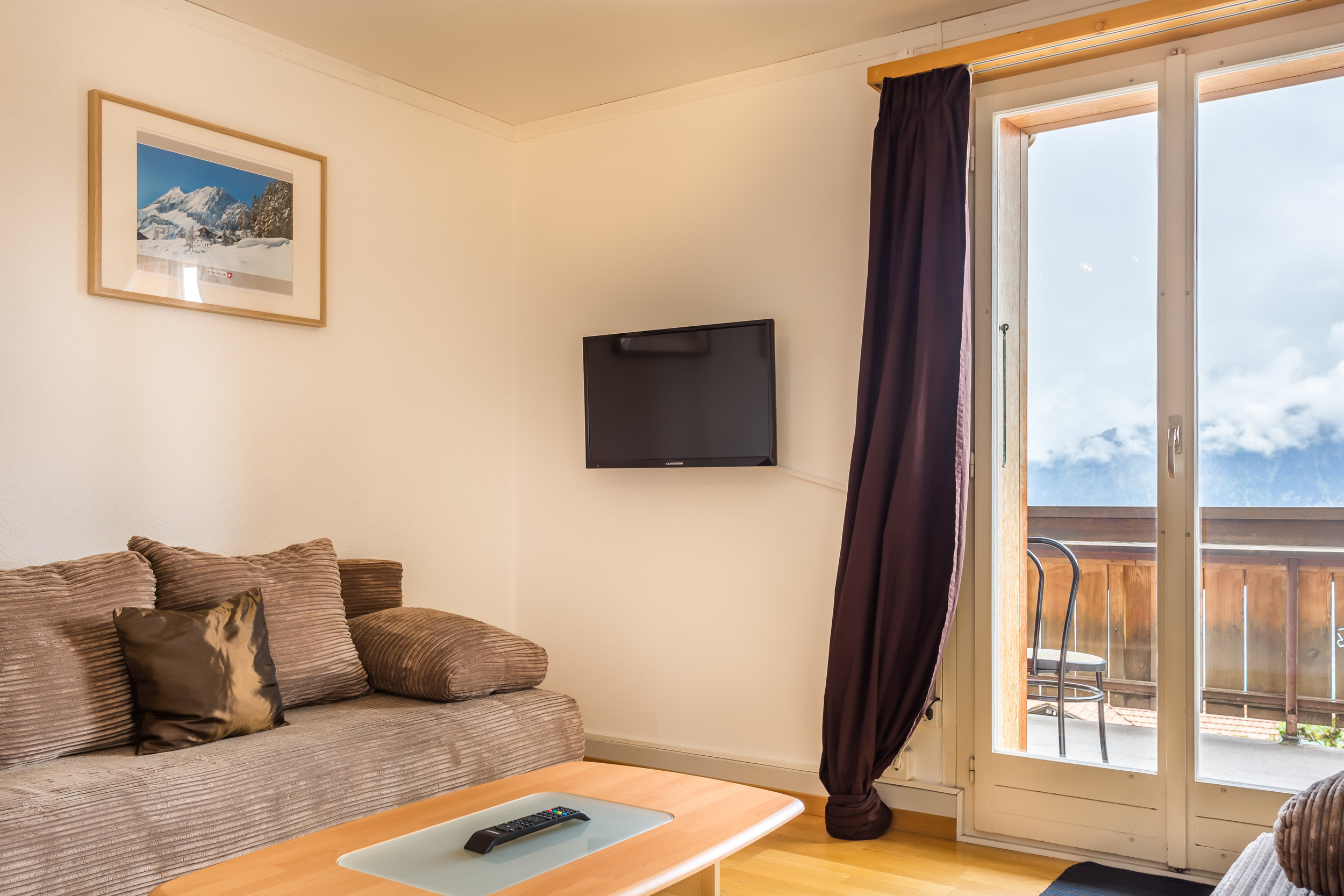 4 - Comfort Apartment<a href=/comfort-apartment>↑</a><strong>Double Bed, Linen and Towels Provided</strong>