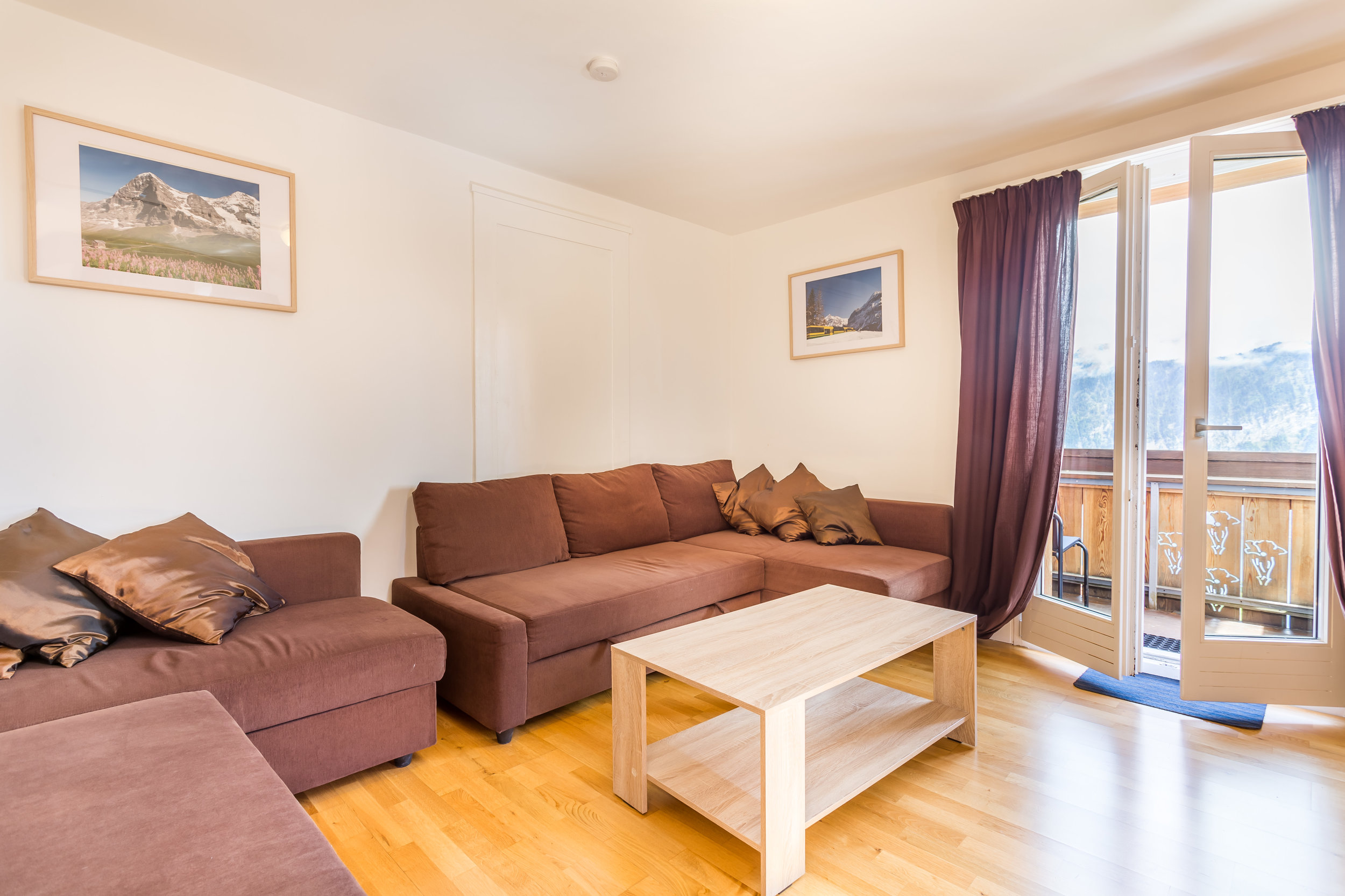 8 - Comfort Apartment<a href=/comfort-apartment2>↑</a><strong>Double Bed, Linen and Towels Provided</strong>