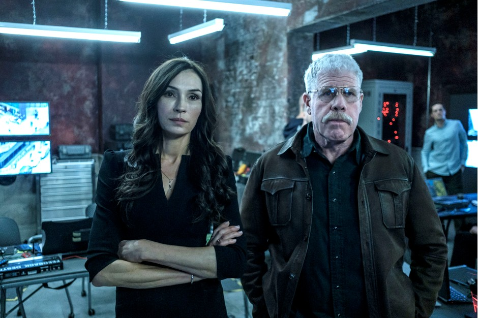Famke-Janssen-and-Ron-Perlman-in-The-Capture-coming-soon-to-BBC-One-05f968b.jpg