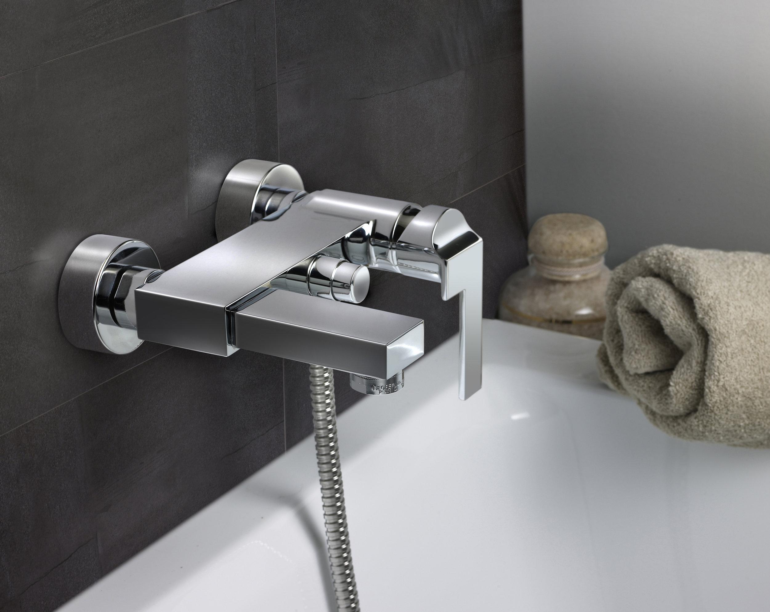 Teja Cuadra Bath Mixer