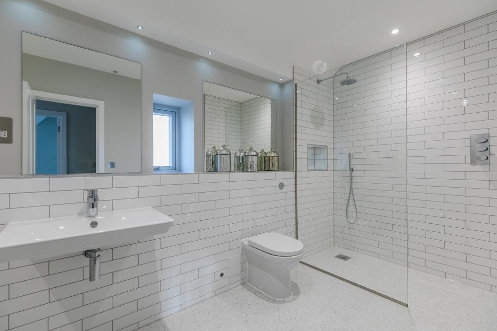 Breedon House – family bathroom