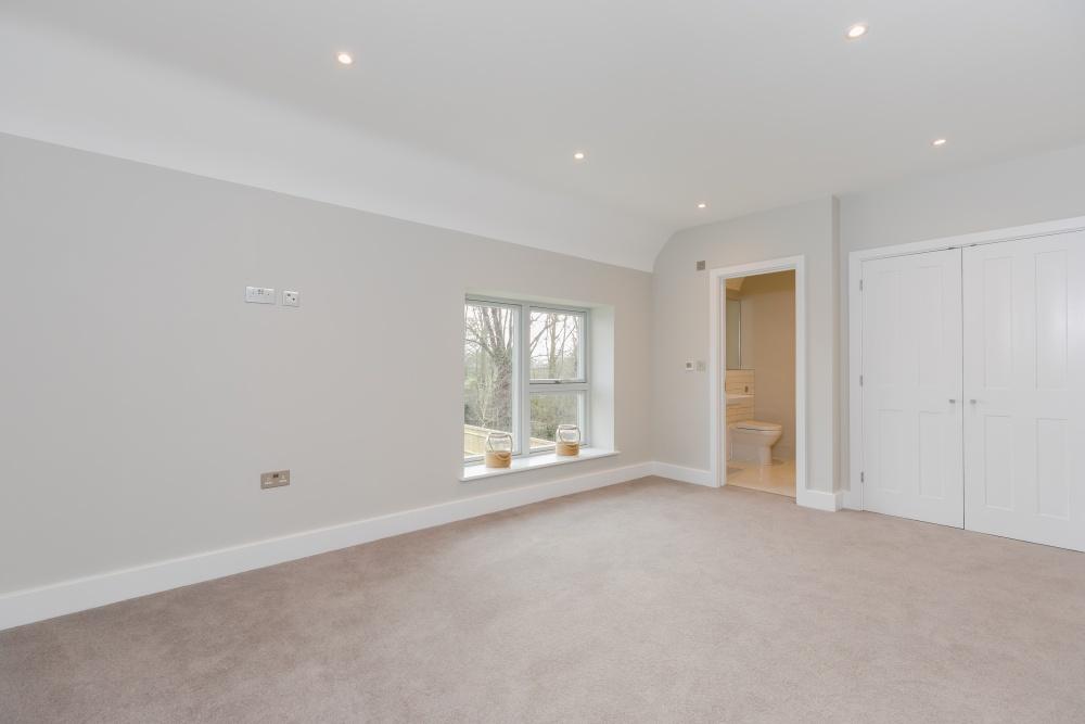 Breedon House – ensuite bedroom