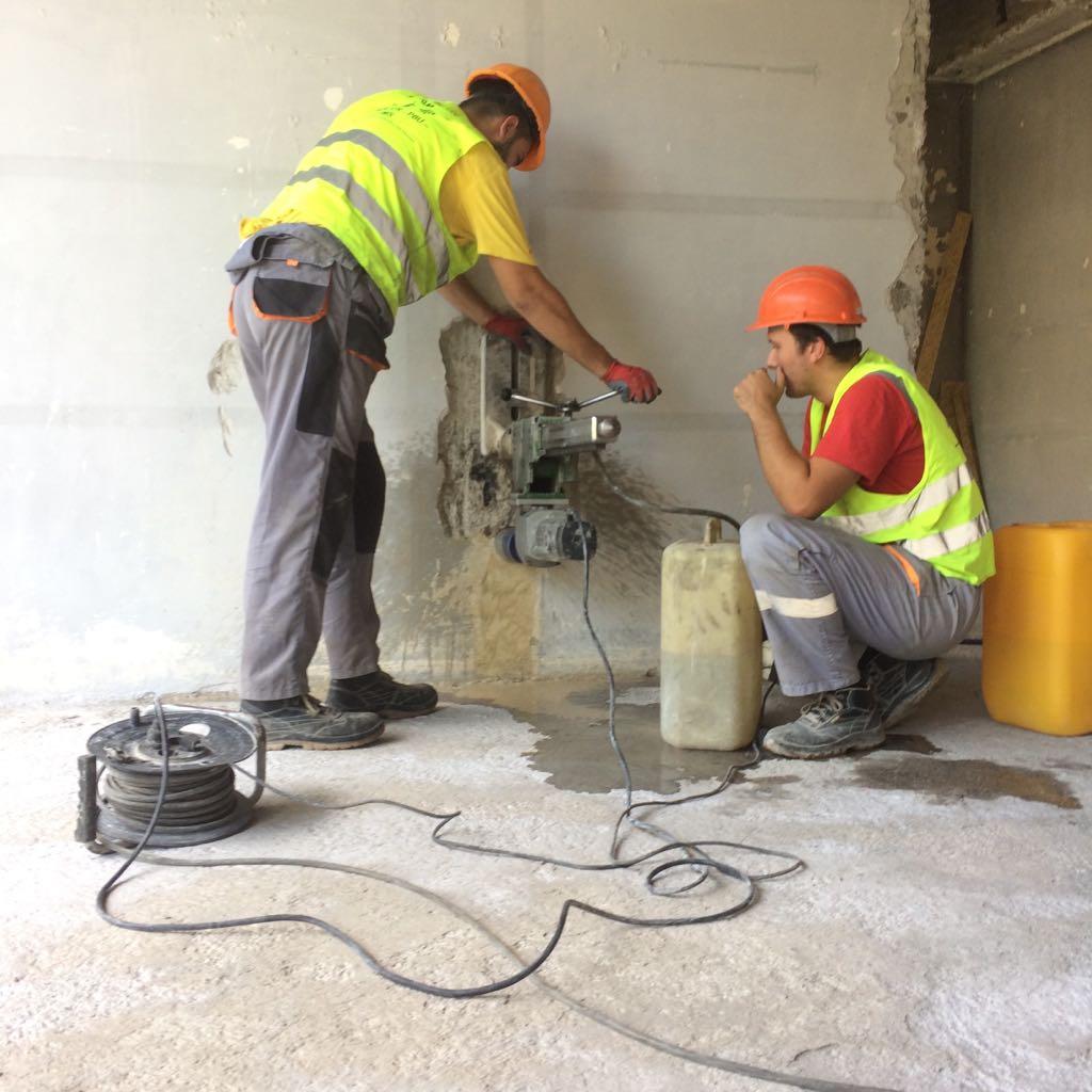 Drilling core samples