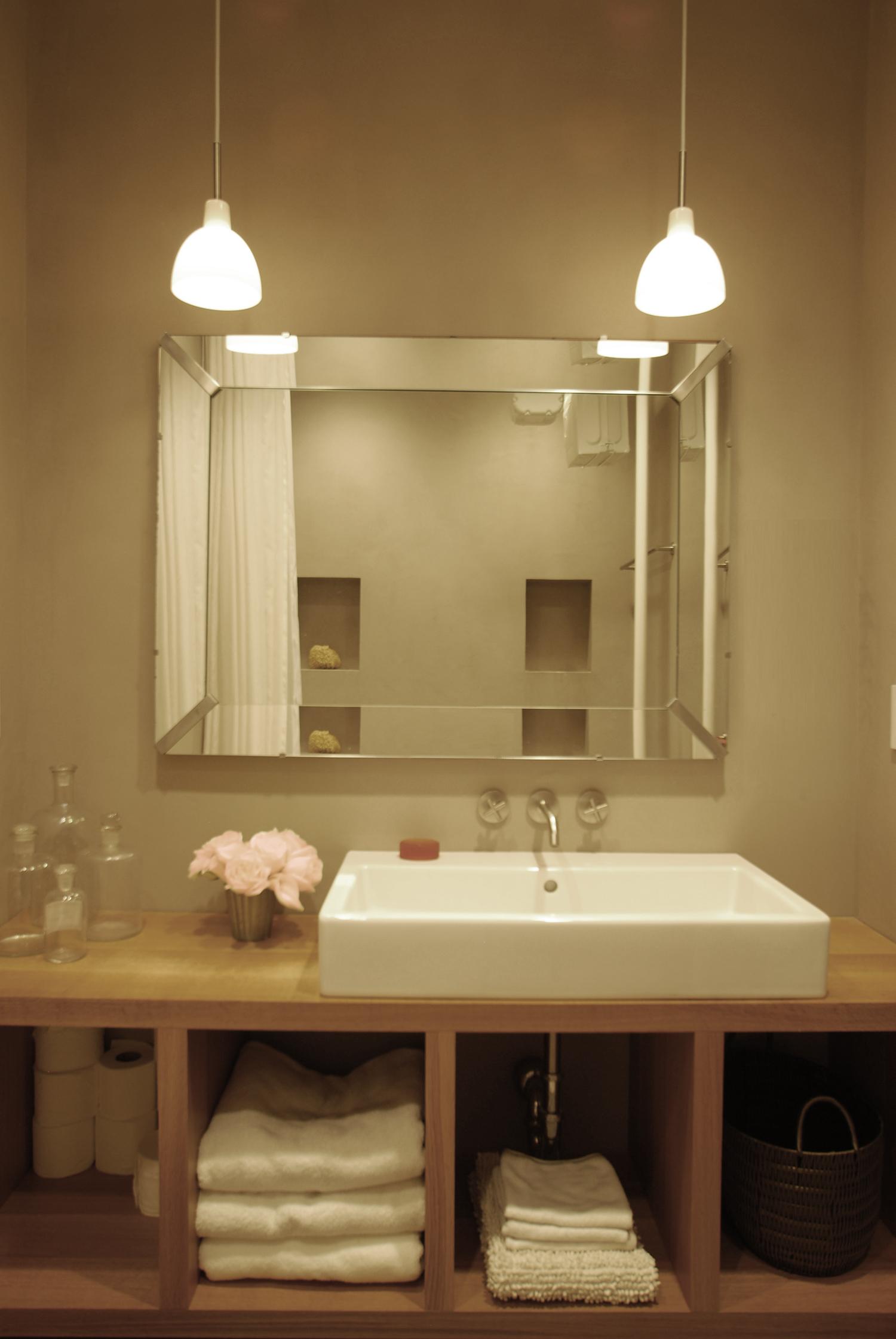 DSC_0027_Bathroom_photoshopped.jpg