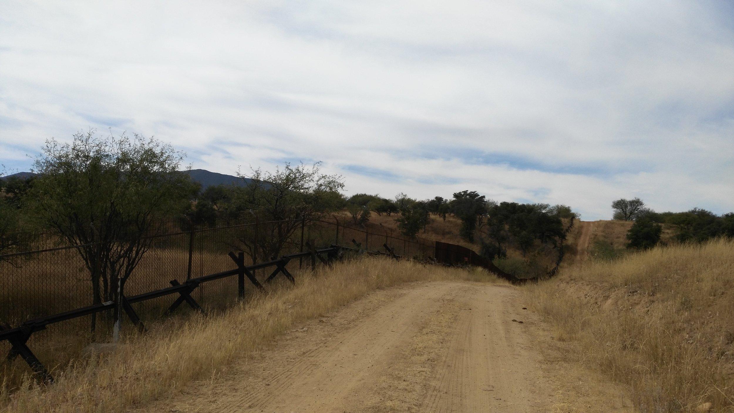 Patagonia Sm border fence.jpg