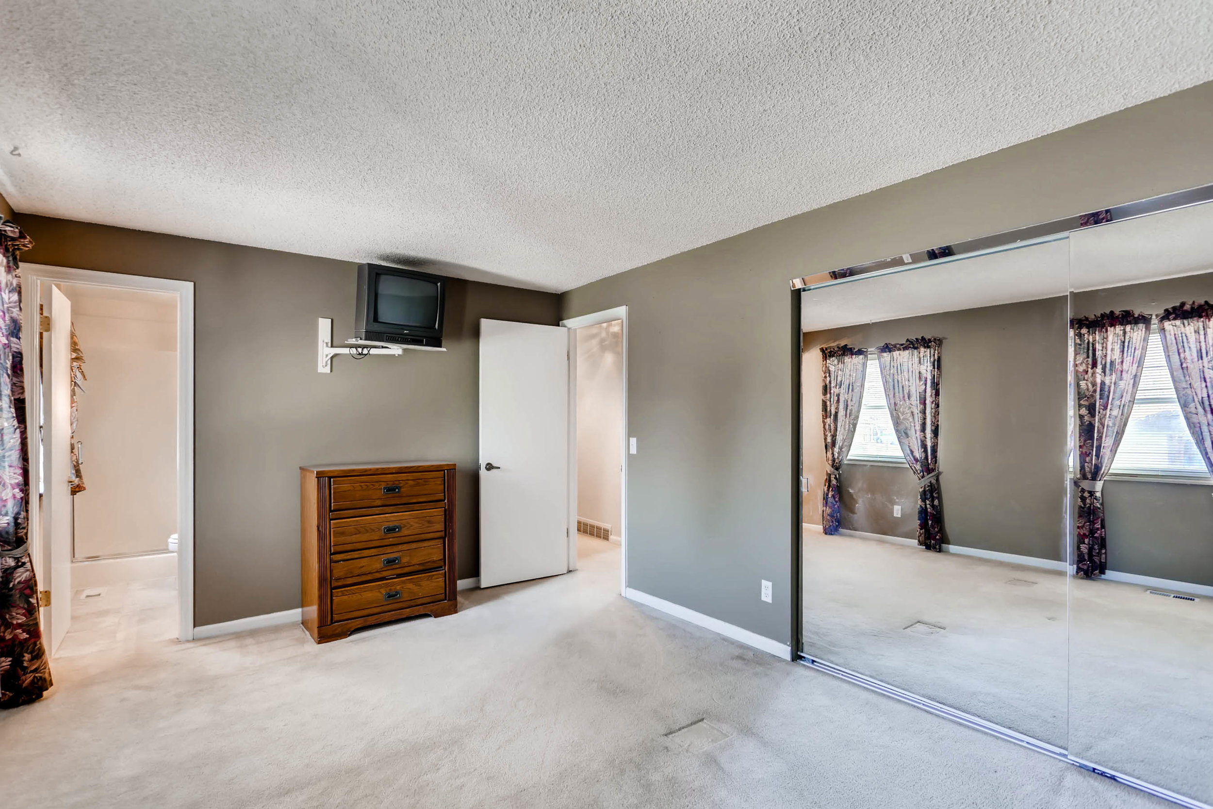 15001 E Gunnison Place Aurora-print-019-22-2nd Floor Master Bedroom-2700x1800-300dpi.jpg