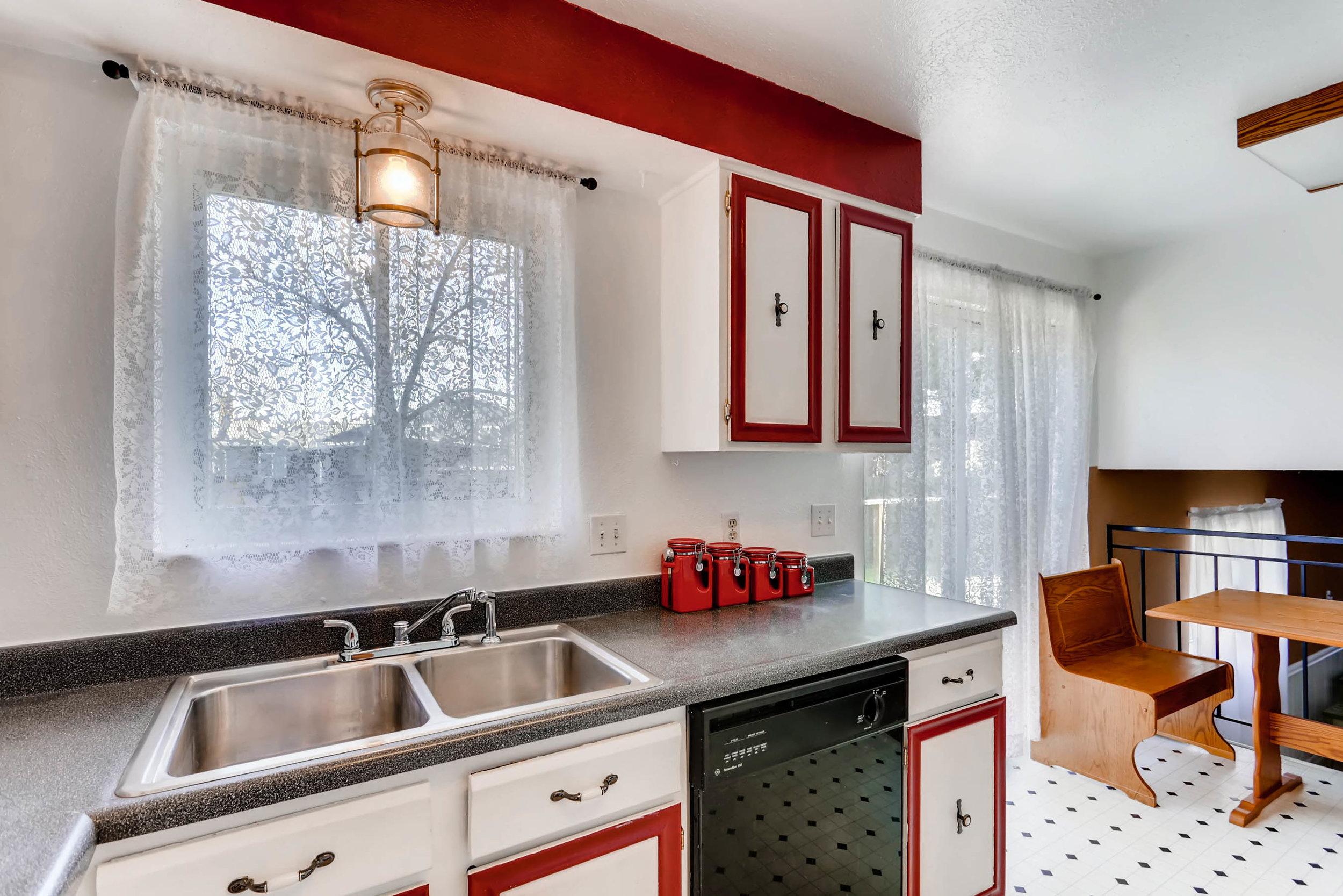 15001 E Gunnison Place Aurora-print-010-5-Kitchen-2700x1800-300dpi.jpg