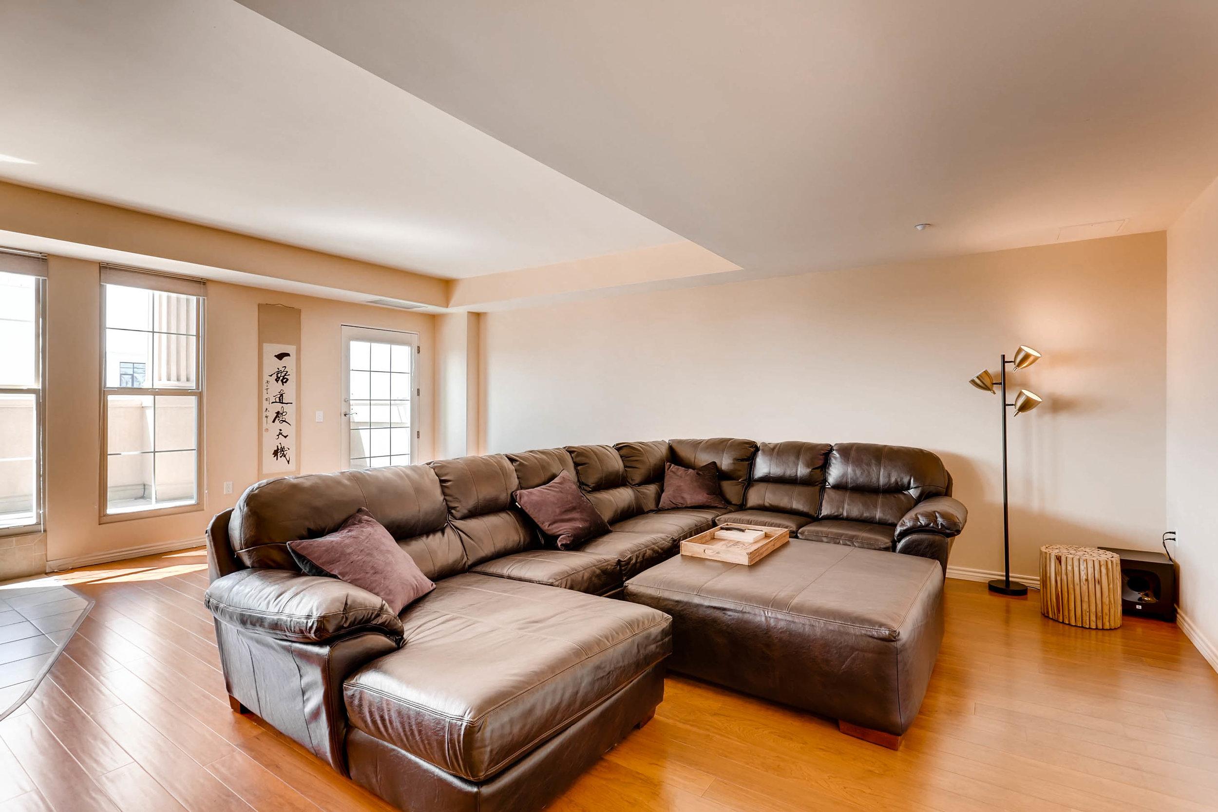 300 W 11th Avenue 18B Denver-print-004-7-Living Room-2700x1800-300dpi.jpg