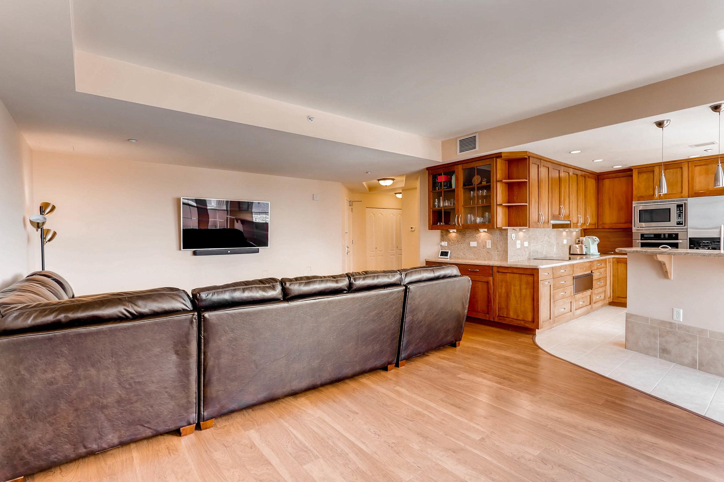 300 W 11th Avenue 18B Denver-print-005-5-Living Room-2700x1800-300dpi.jpg