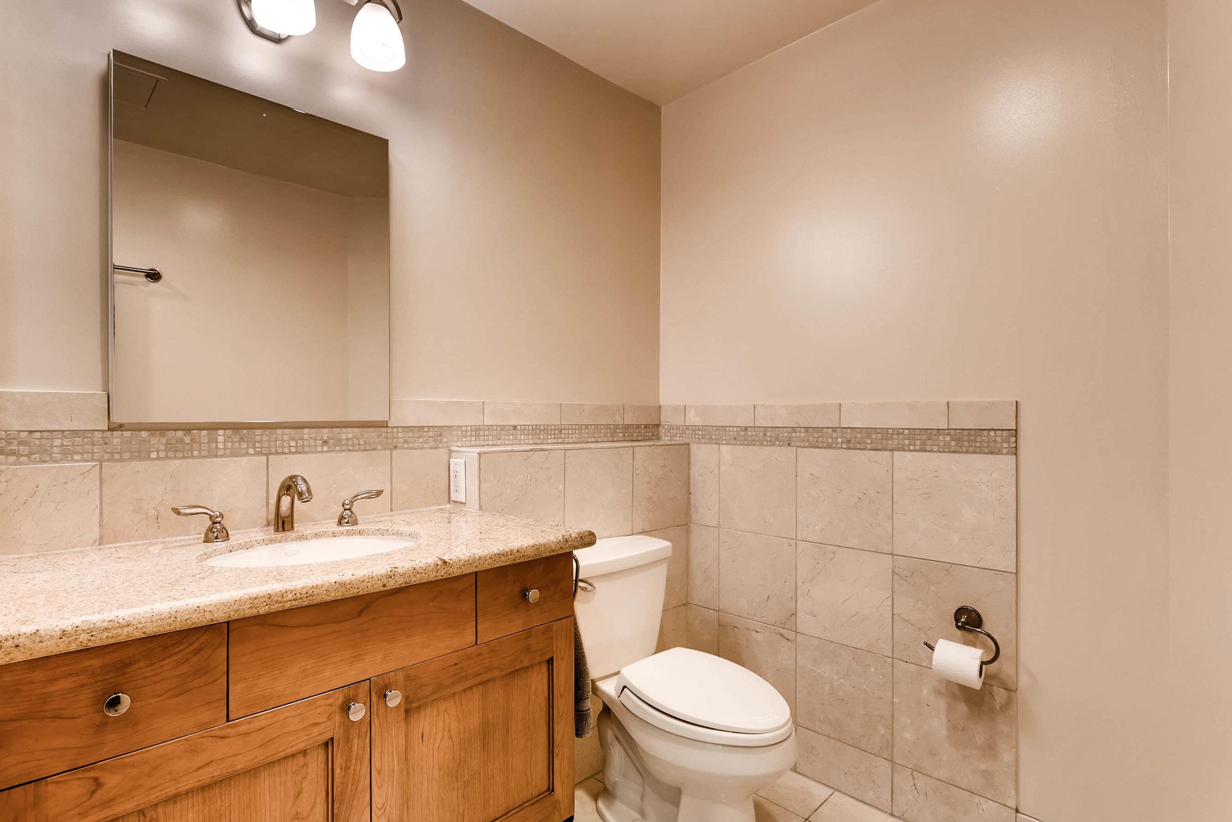 300 W 11th Avenue 18B Denver-print-022-15-Bathroom-2700x1800-300dpi.jpg