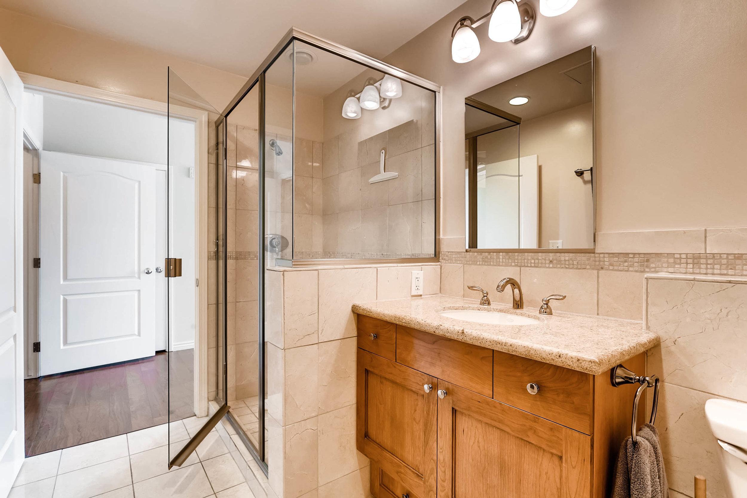 300 W 11th Avenue 18B Denver-print-023-22-Bathroom-2700x1799-300dpi.jpg