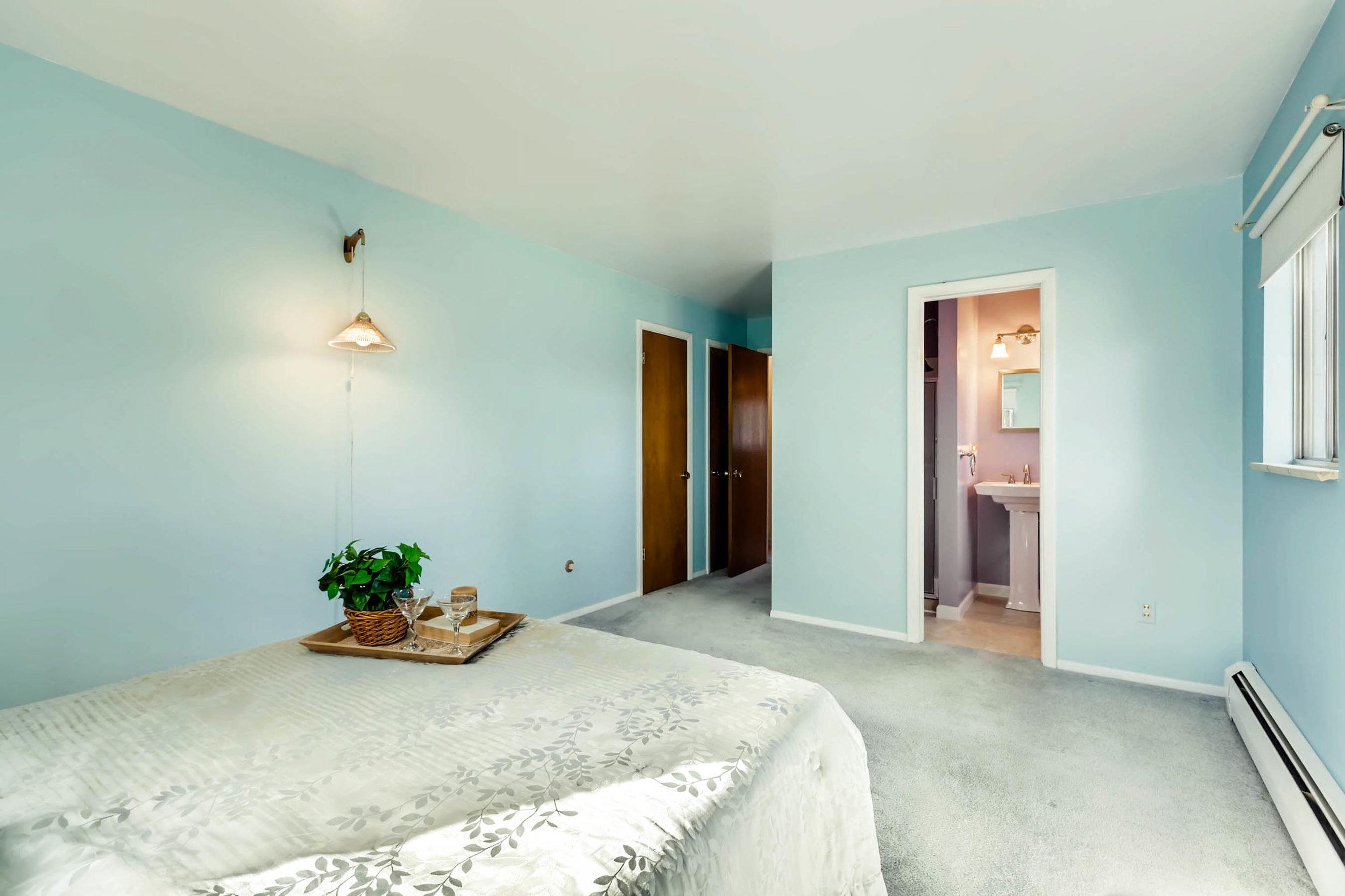 1655 S Monaco Parkway Denver-print-014-21-2nd Floor Master Bedroom-2700x1799-300dpi.jpg