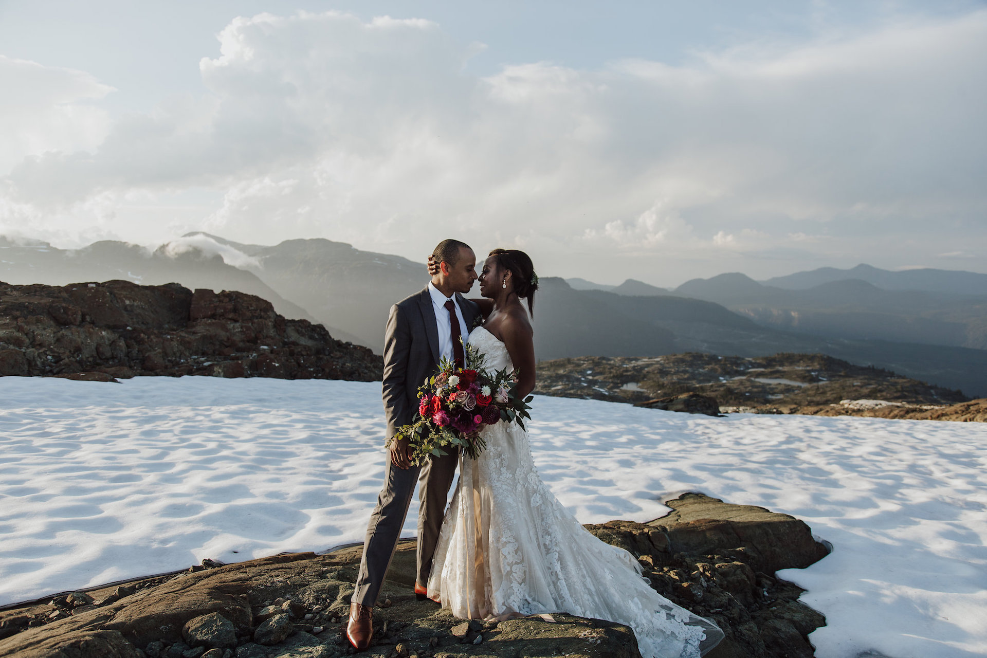 Snowy Wedding   Elopement  Certified Wedding and event Planner