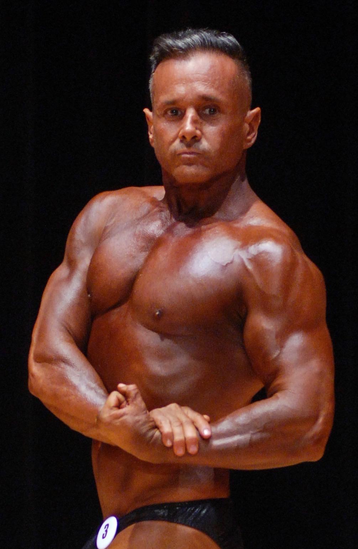 Julio Anta bodybuilding.jpg