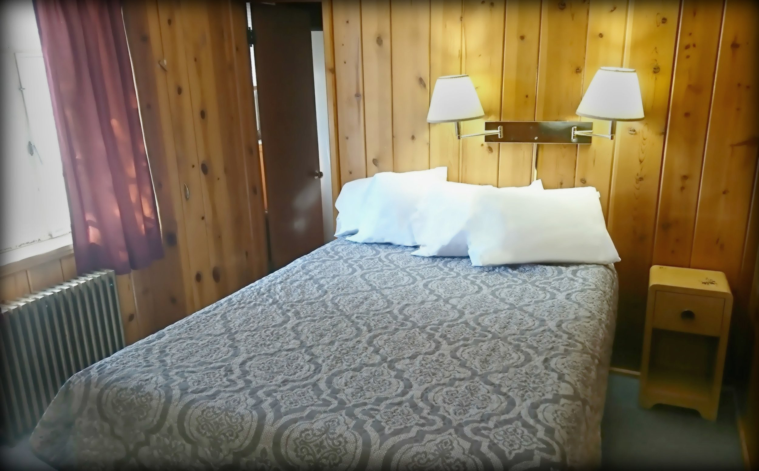 lodge room5.jpg