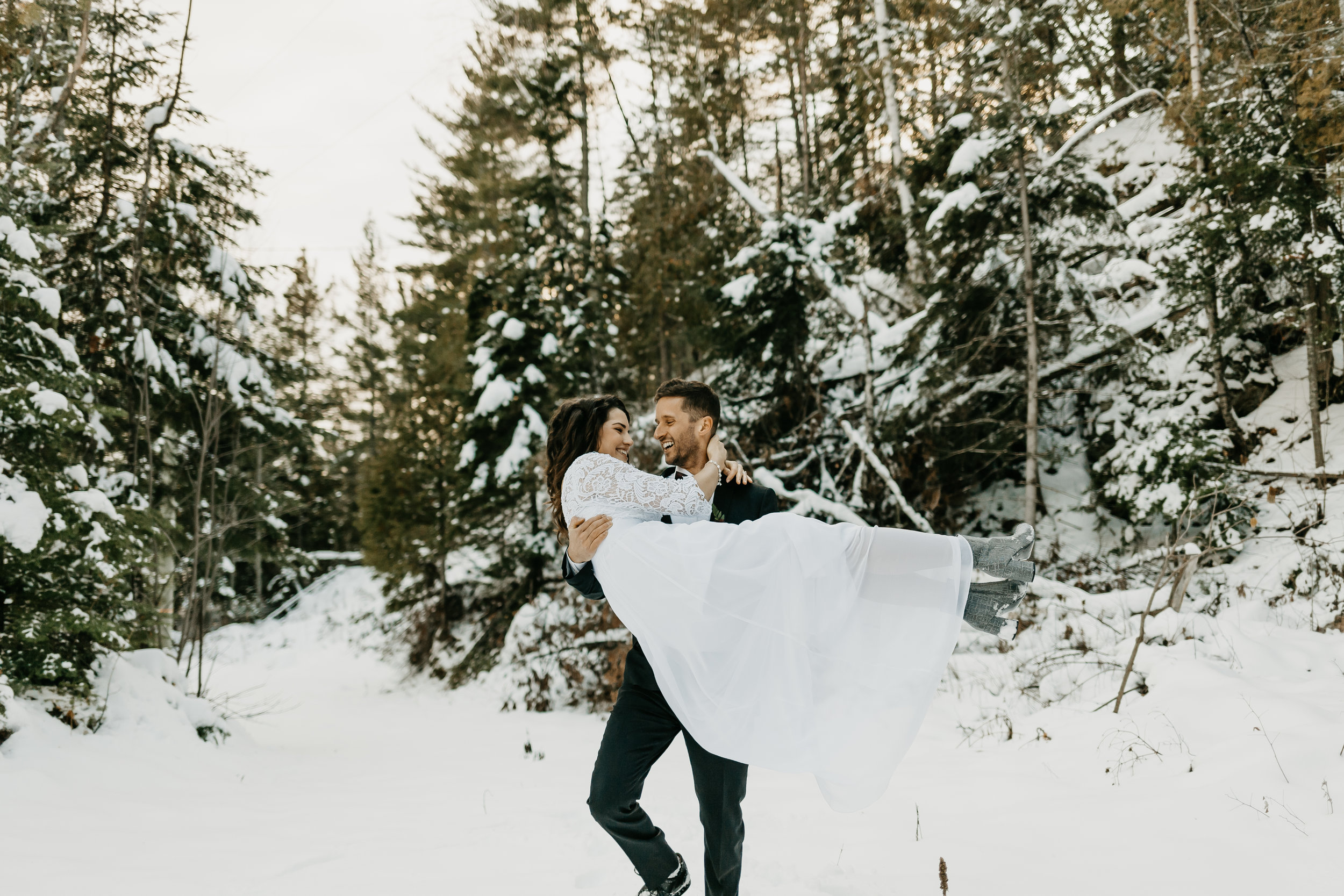 Elopement-photographer-charlevoix17.jpg