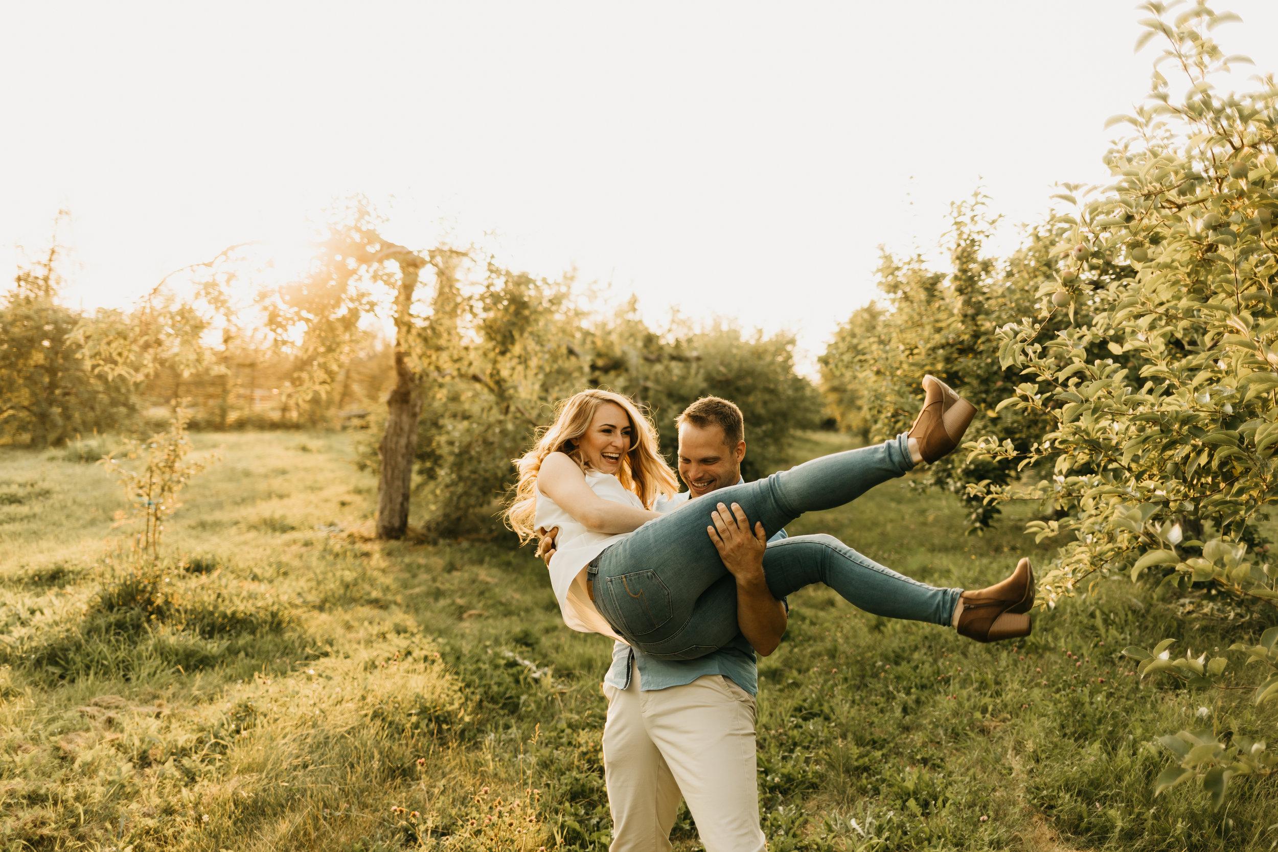 Engagement-shoot-Mont-saint-hilaire-québec-2003.jpg