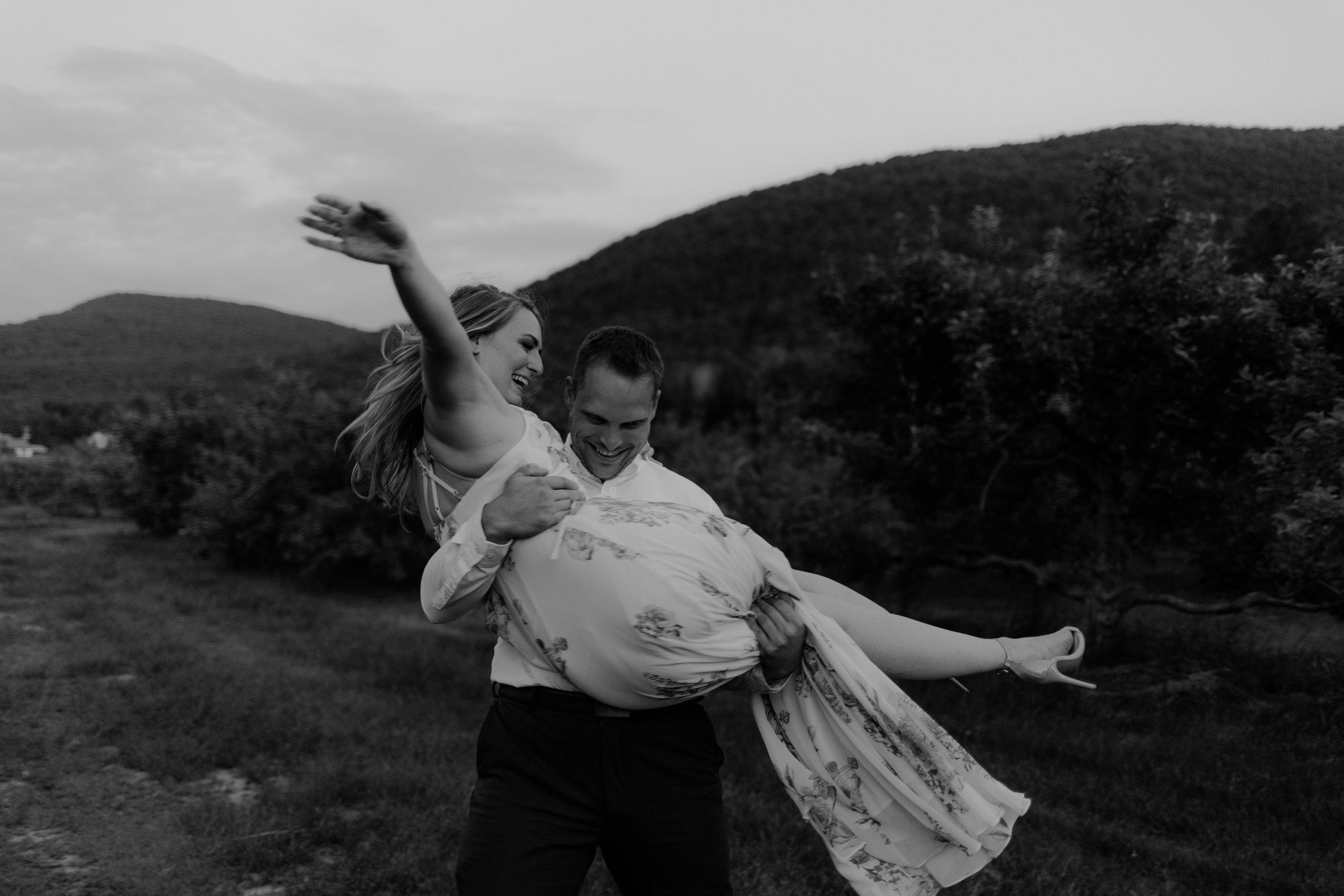 Engagement-shoot-Mont-saint-hilaire-québec-2798.jpg