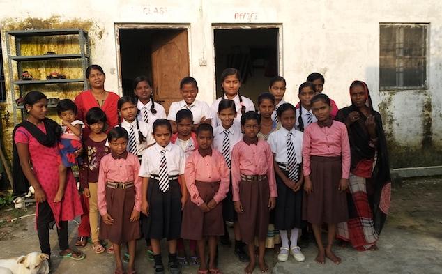 Varanasi Girls Picture.jpg