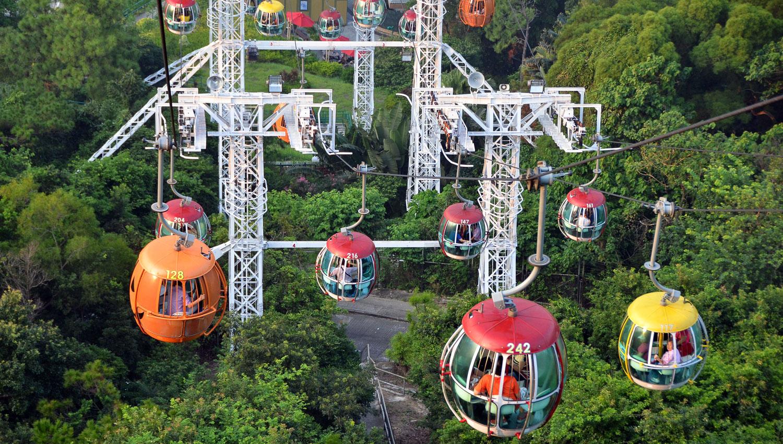 Cable cars to Hong Kong's Ocean Park. Image:   Jung Hyun Ha