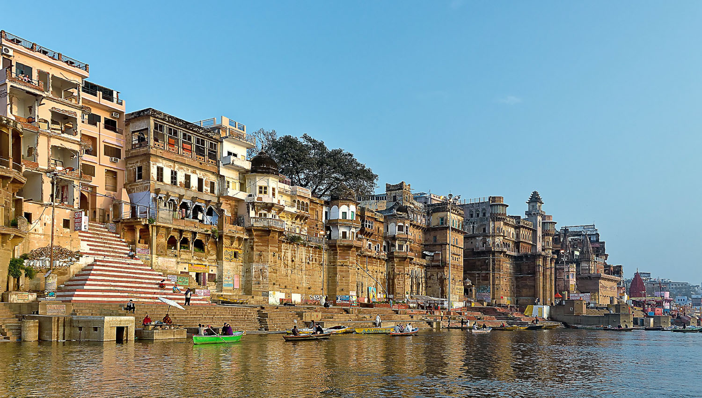 Varanasi on the River Ganges attracts many pilgrims. Image:  ©    Uwe Sowinski