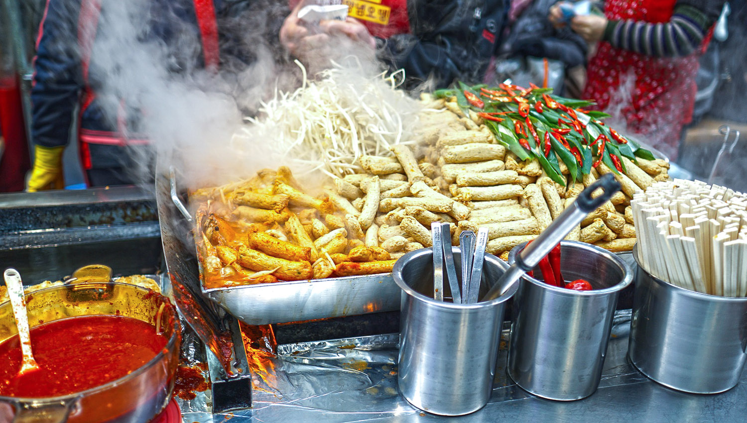 Food from street stalls is not always bad. Image:     Sanghyuk Cho