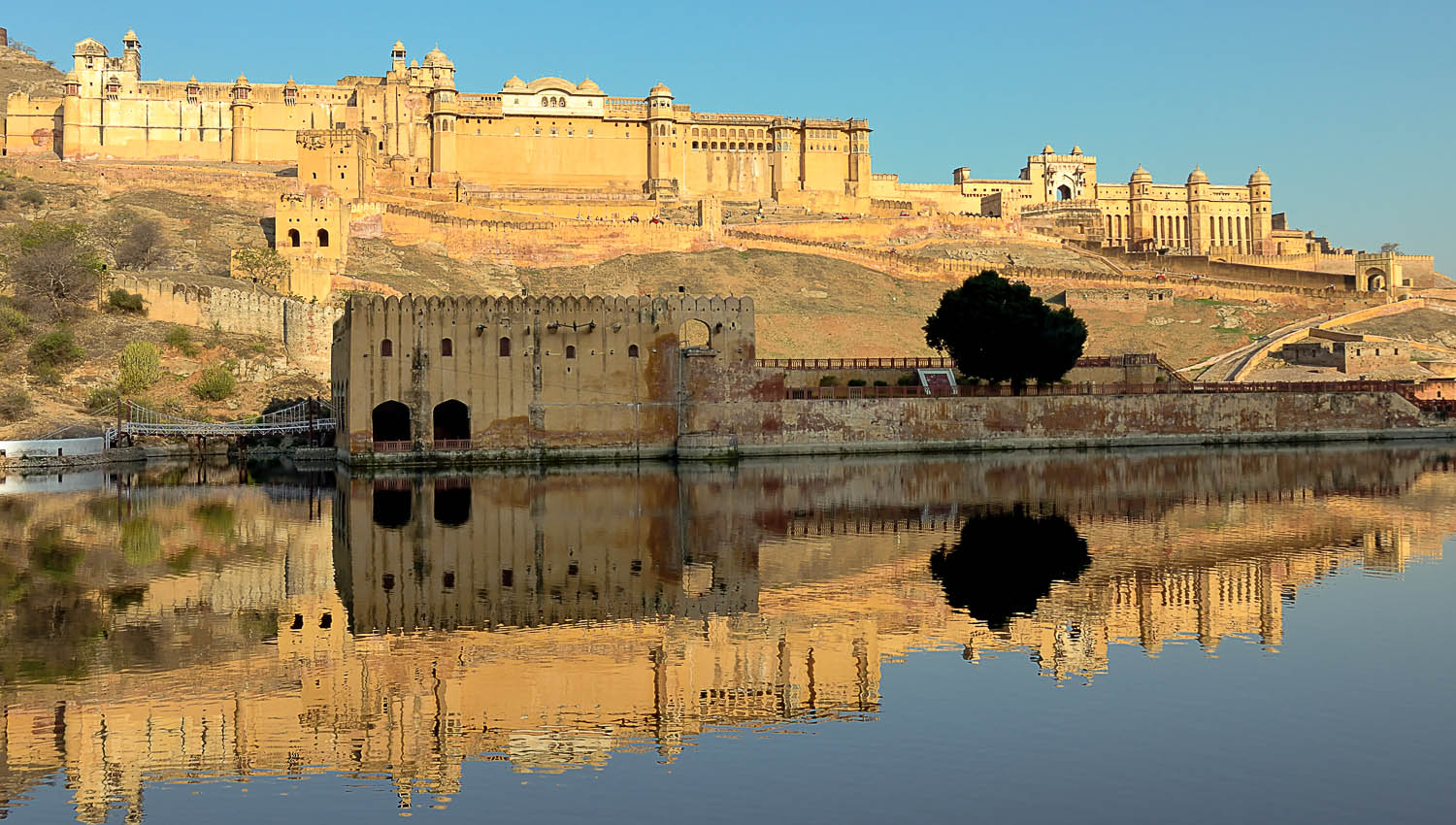 Rajasthan's many forts are impressive structures. Image:  ©    Uwe Sowinski
