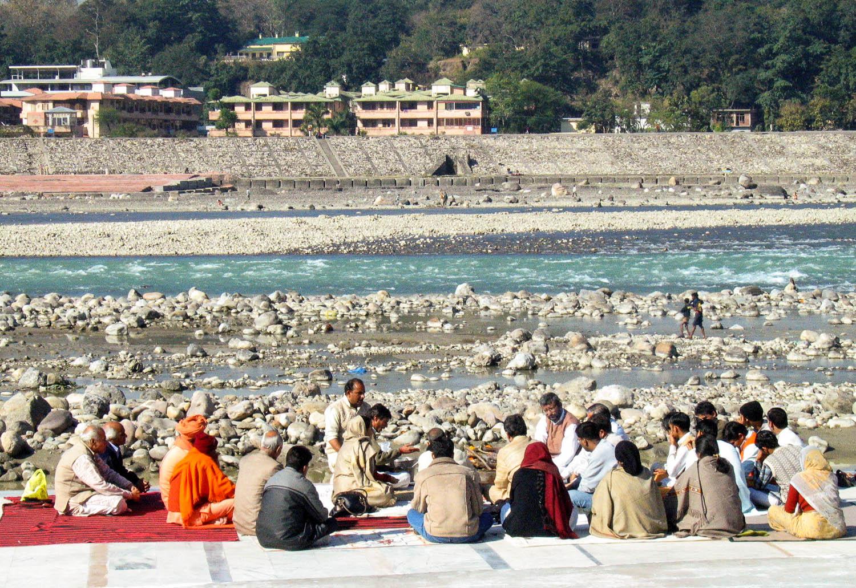 A study group by the Ganges at Muni ki Reti near Rishikesh. Image:  Ajay Tallam