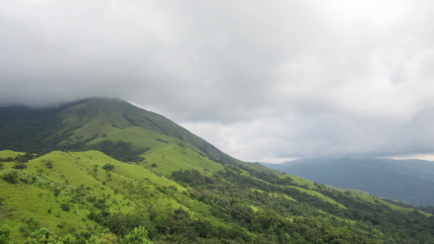 The rolling hills around Kudremukh make for easy trekking. Image:  Abhishek Baadkar