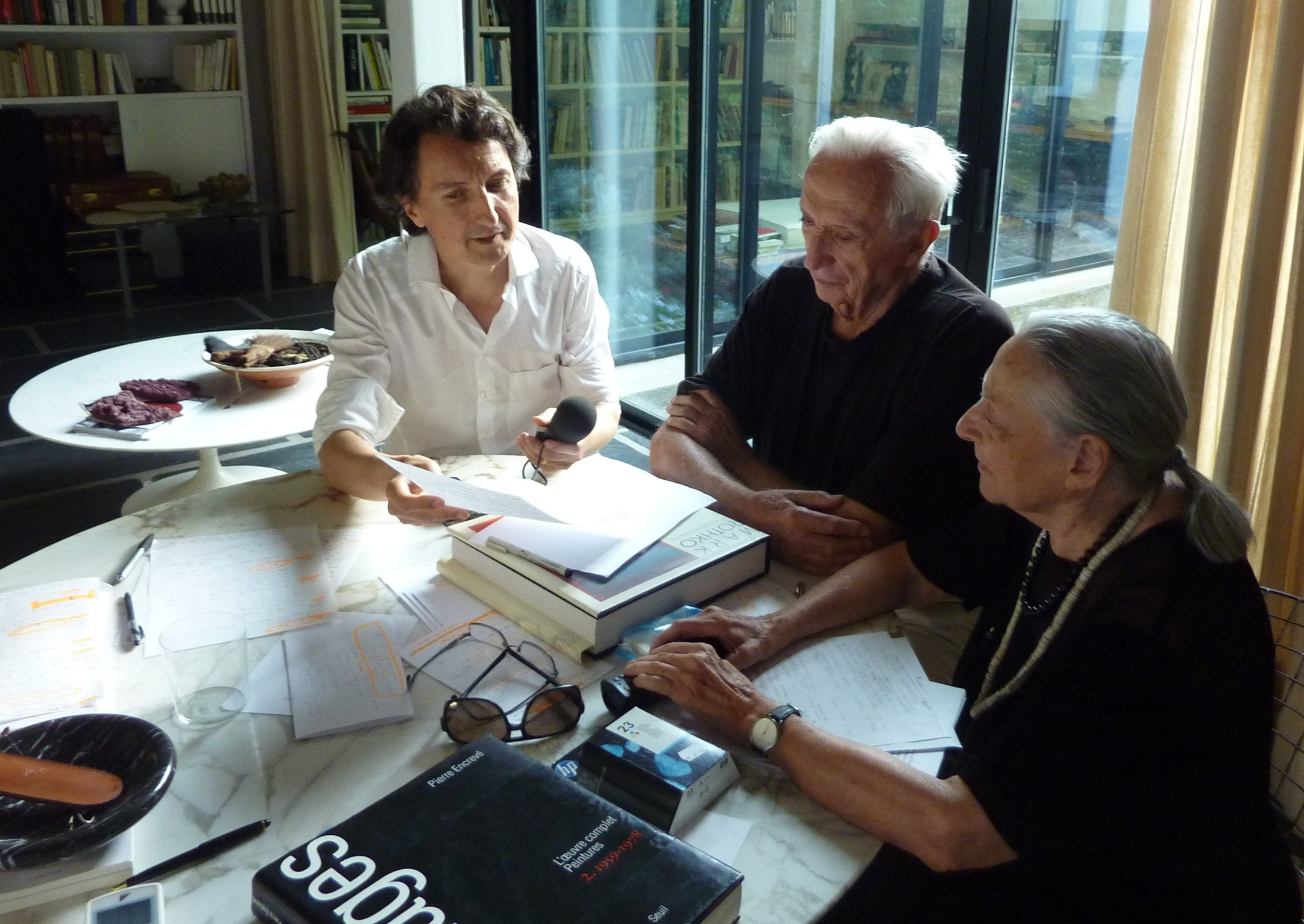 "Pierre and Colette Soulages interviewed for ""Soulages in America"" in 2013 (Lévy-Gorvy gallery publisher). (Copyright Philippe Ungar)"