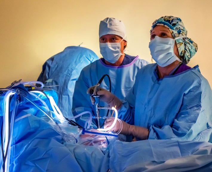 Gloria Beim Performing Surgery at Alpine Orthopaedics