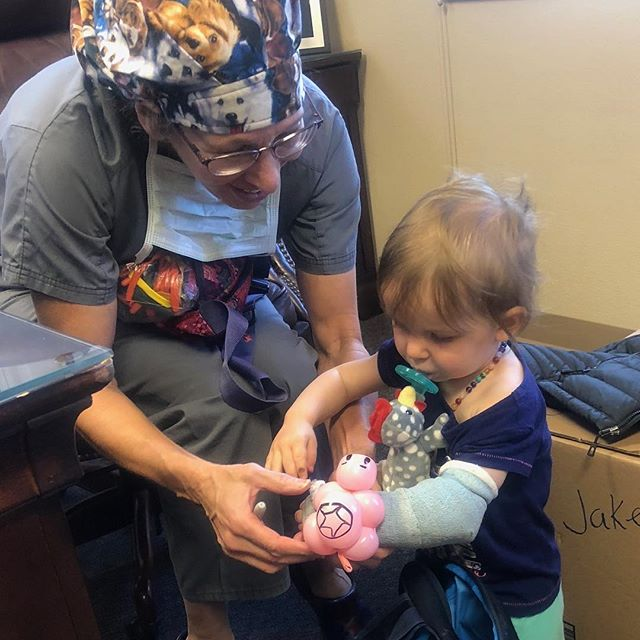 And the award for Cutest Patient of 2018 goes to.... . . . #cutenessoverload #cannoteven #alpineorthopaedics #gunnison #crestedbutte #together #ittakesavillage #team #community #family