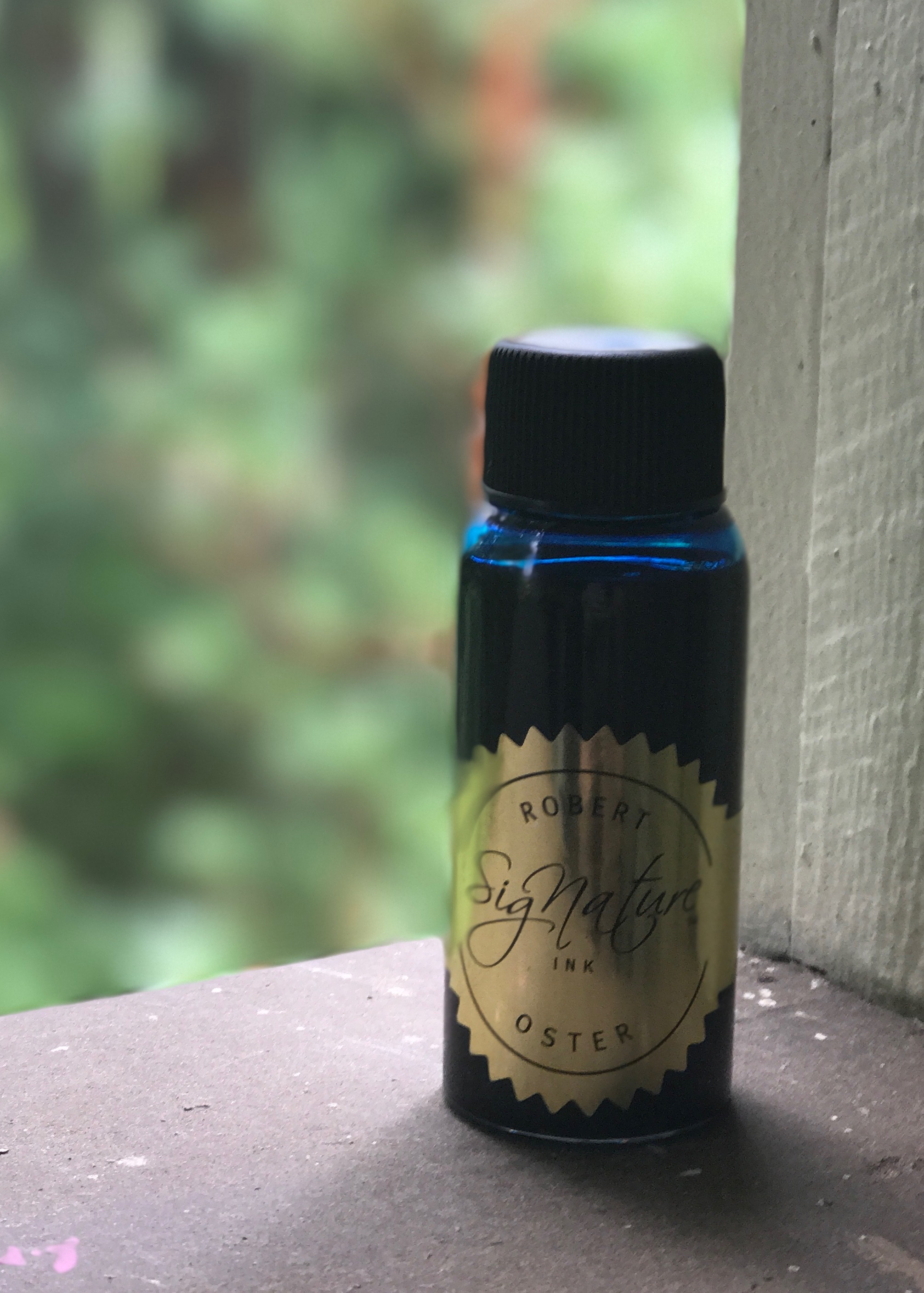 The bottle: - I've talked about this bottle before in other Robert Oster reviews, but I still like the bottle. I appreciate that the bottle is tall and skinny, useful for filling fountain pens.