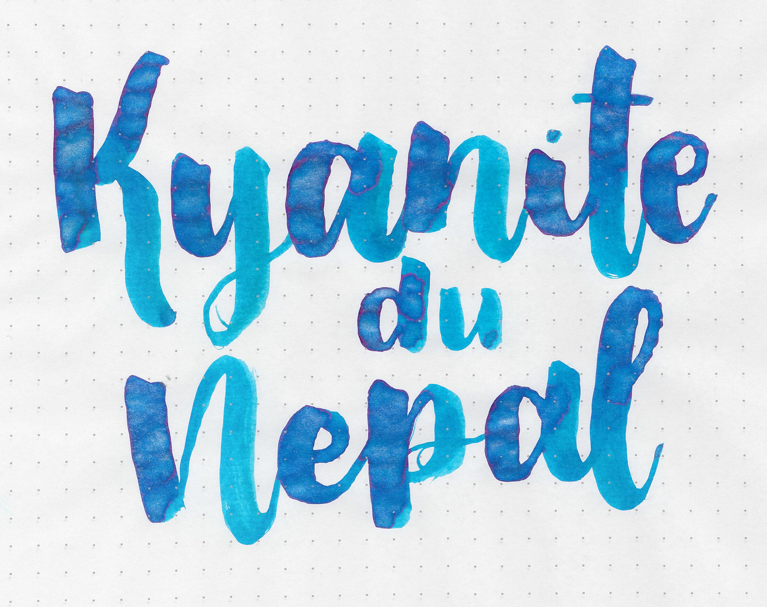 jh-kyanite-du-nepal-4.jpg