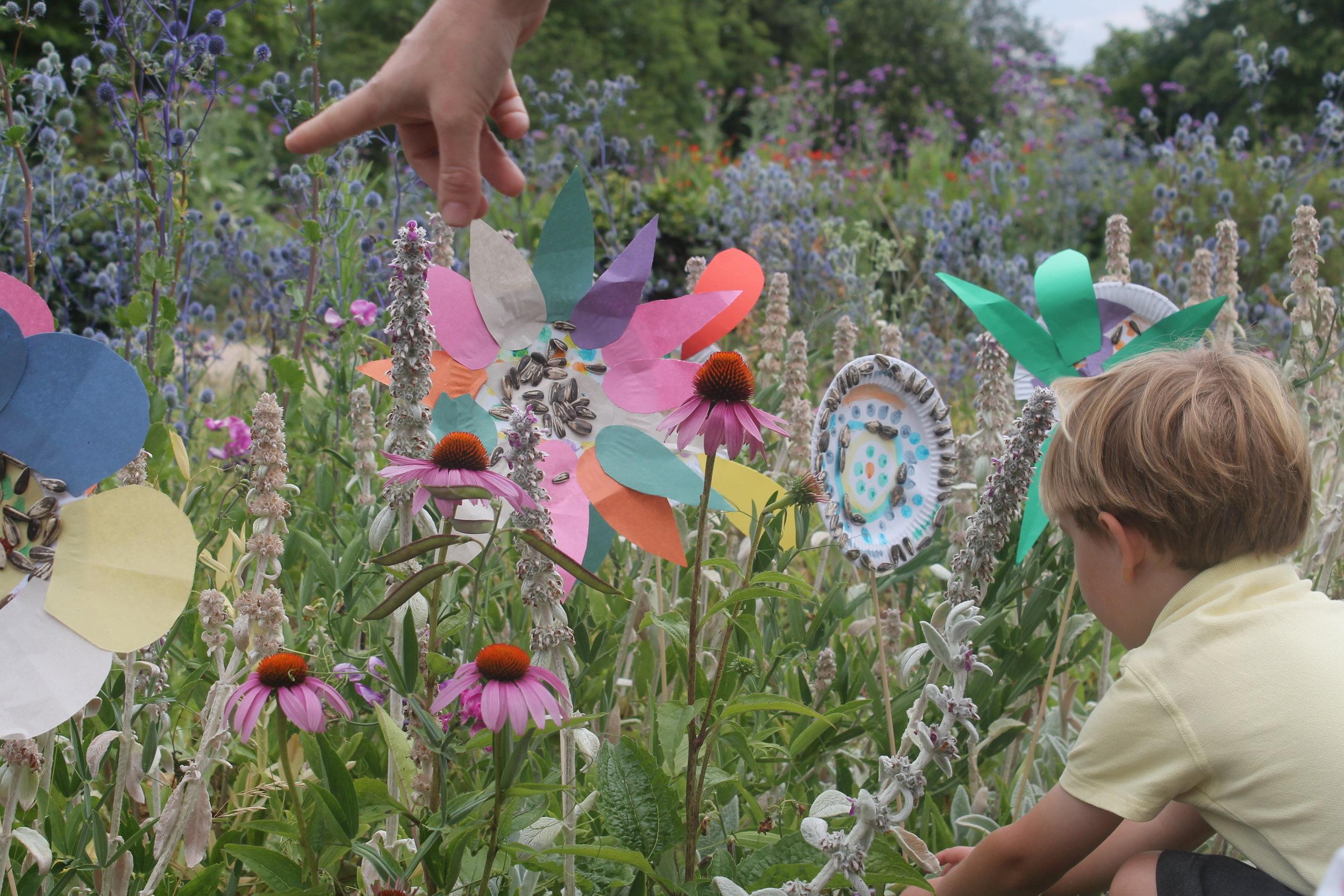 Flower hunt - William Morris garden displays their flowers.