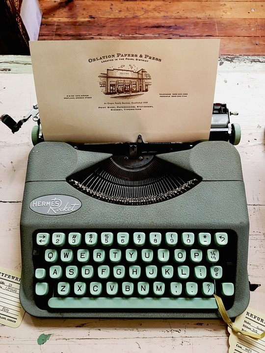 Papers-Teal-Typewriter-Oblation-Rocket-Hermes-2569200.jpg