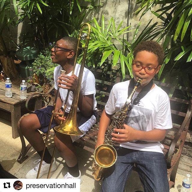 #Repost @preservationhall ・・・ #repost @preshallfoundation — It's always a treat to have the next generation of young musicians to join us at the Hall for a #KidsInTheHall field trip. Thanks for making music with us this morning @dtarenew and #renewschools
