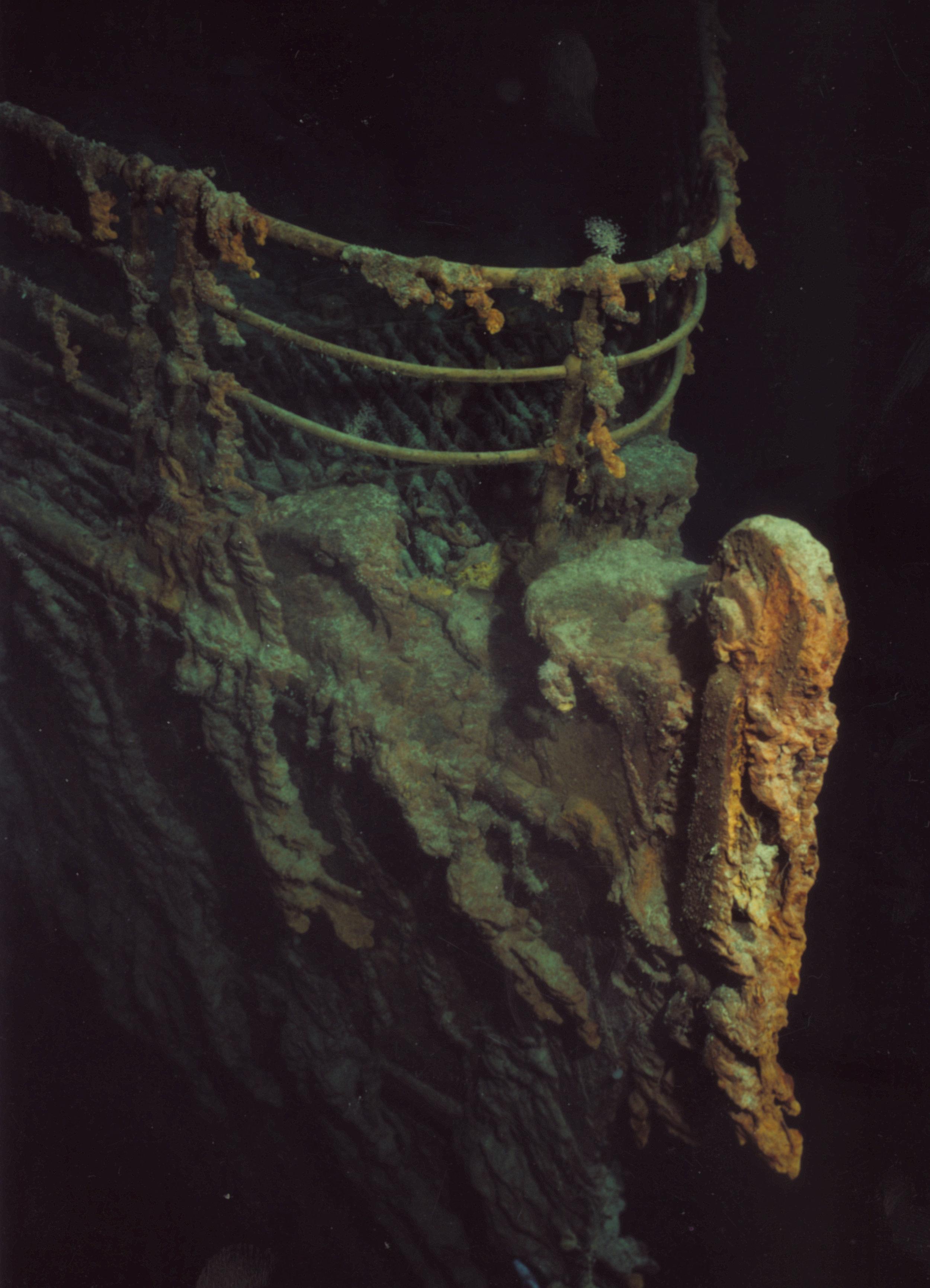 Titanic Bow1.jpg