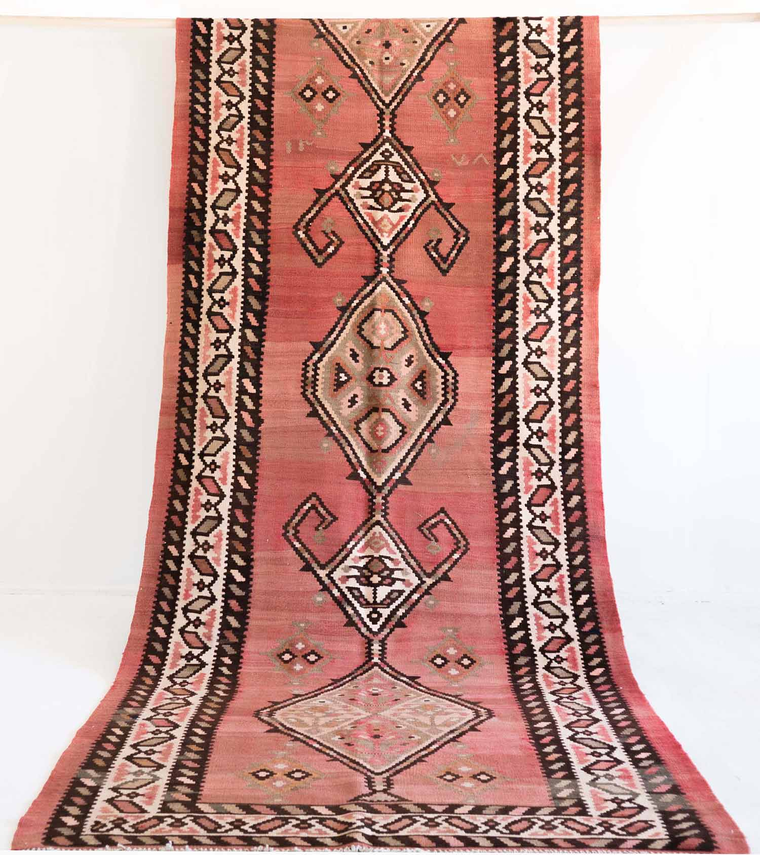 NO. 0146 /   PERSIAN KILIM (AZERBAIJAN) / 50 YEARS / 7 x 4 FT