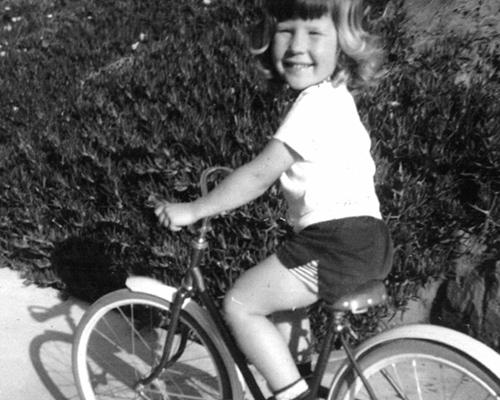 sue-bw-bikephotokid.jpg