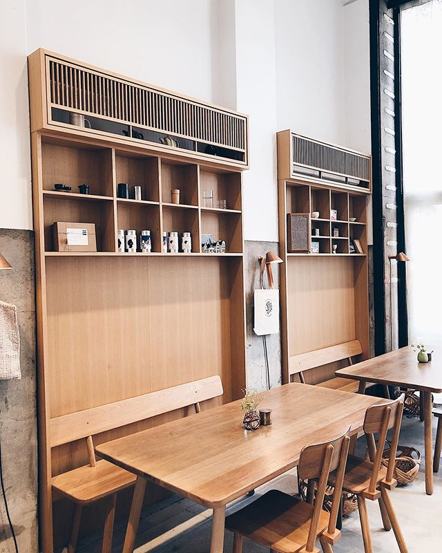 Visited @kaikadocafe in Kyoto this morning. Their oak fit out was 👌🏼💯