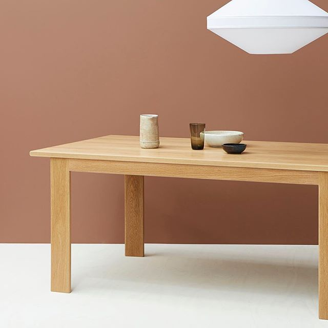 It's the time of year to stay home and enjoy long dinners with friends. And maybe a few (🍷) Designed and made in Melbourne our Solid Oak dining table is ready for mealtimes for many years to come. #nickpearcefurniture #diningtable