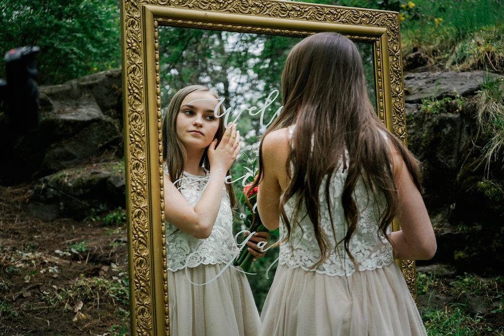 bloom & design styled photoshoot alice in wonderland