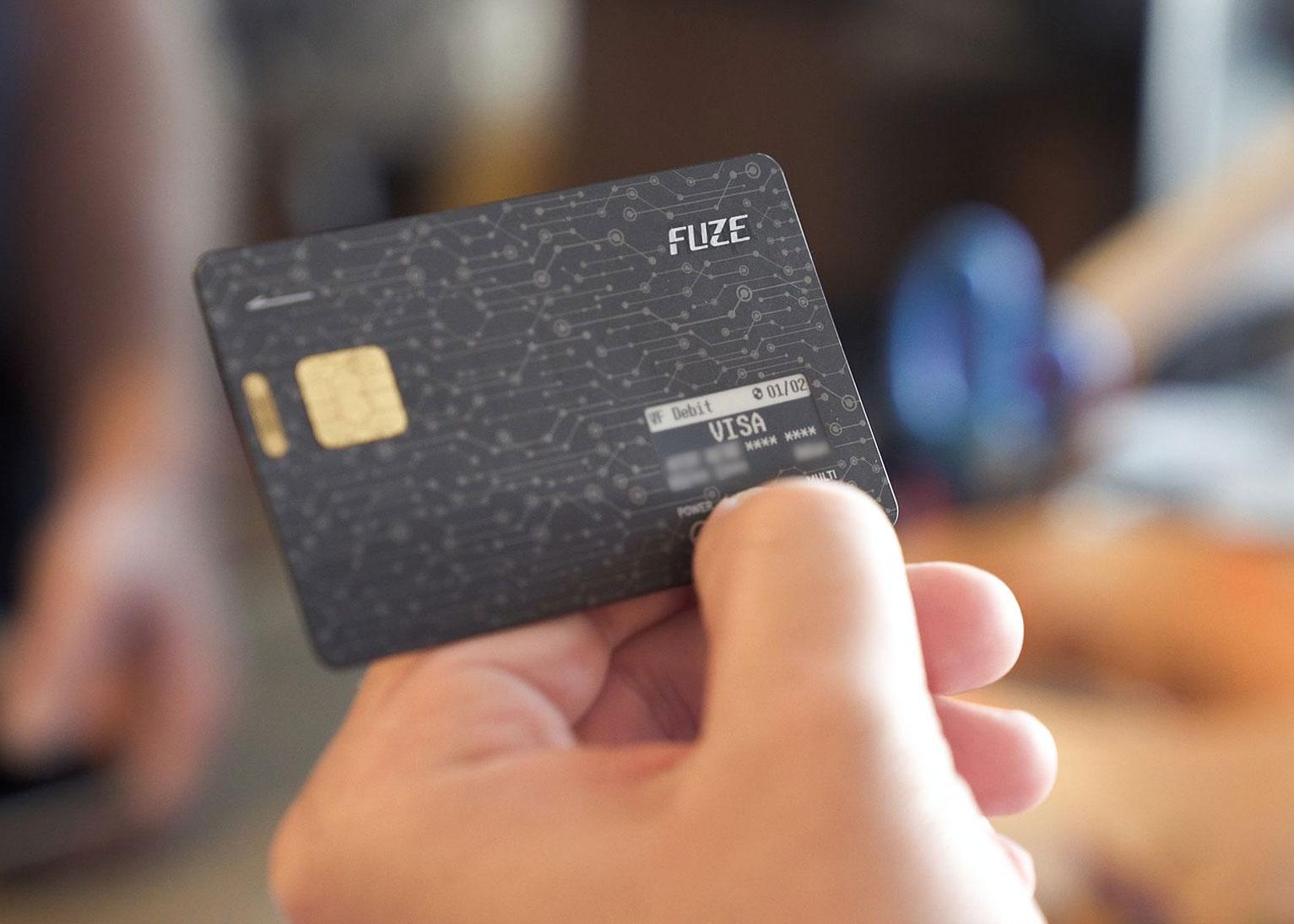 iReviews-fuze-smart-card_2.jpg