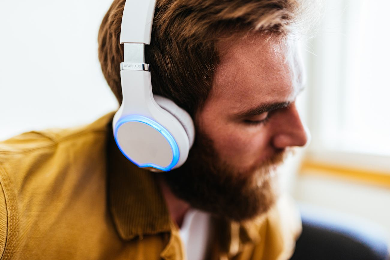 Wearhaus Arc Headphones   Listen to music like never before with the state-of-the-art Wearhaus Headphones.