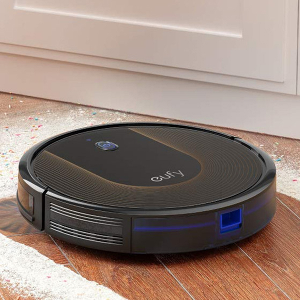 Eufy Robovan Wifi - With just one press on your smartphone, it automatically cleans your home while you are away.