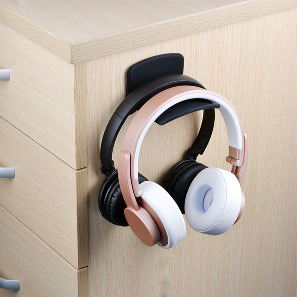 Headphone Hanger - Convenient headphones hanger for safety and organize it orderly.